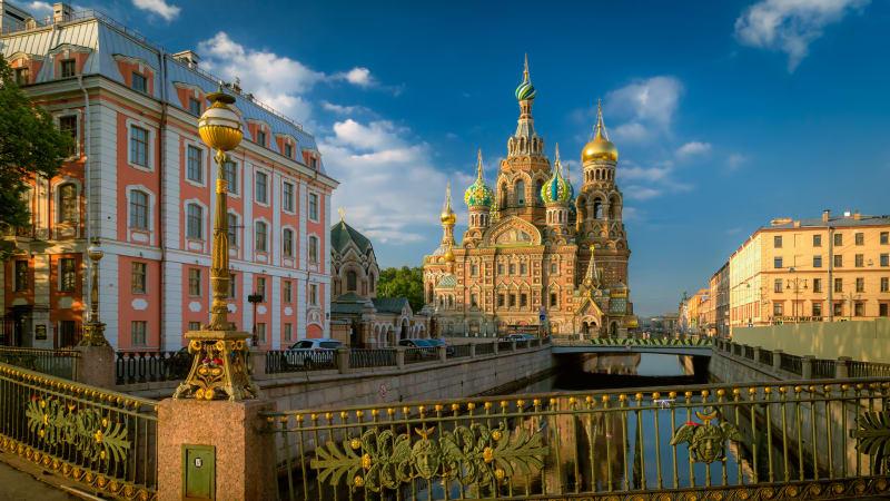 Flyg till Sankt Petersburg