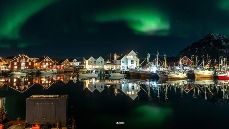Henningsvær by night