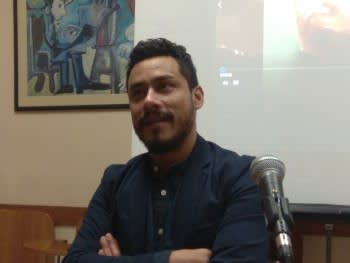 Fernando during the talk.