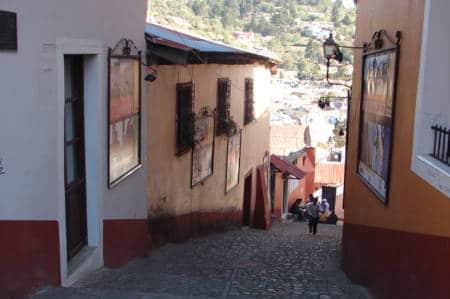 Real del Monte street