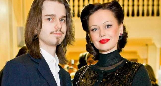 «Андрюша, я тебя очень люблю!»: Ирина Безрукова обратилась к сыну, умершему ровно 5 лет назад