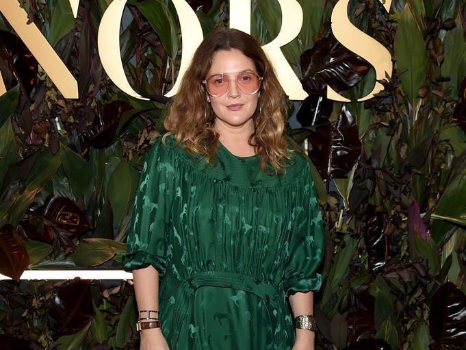 Глянец на карантине: дочери Дрю Бэрримор пришлось снимать ее для обложки The Sunday Times