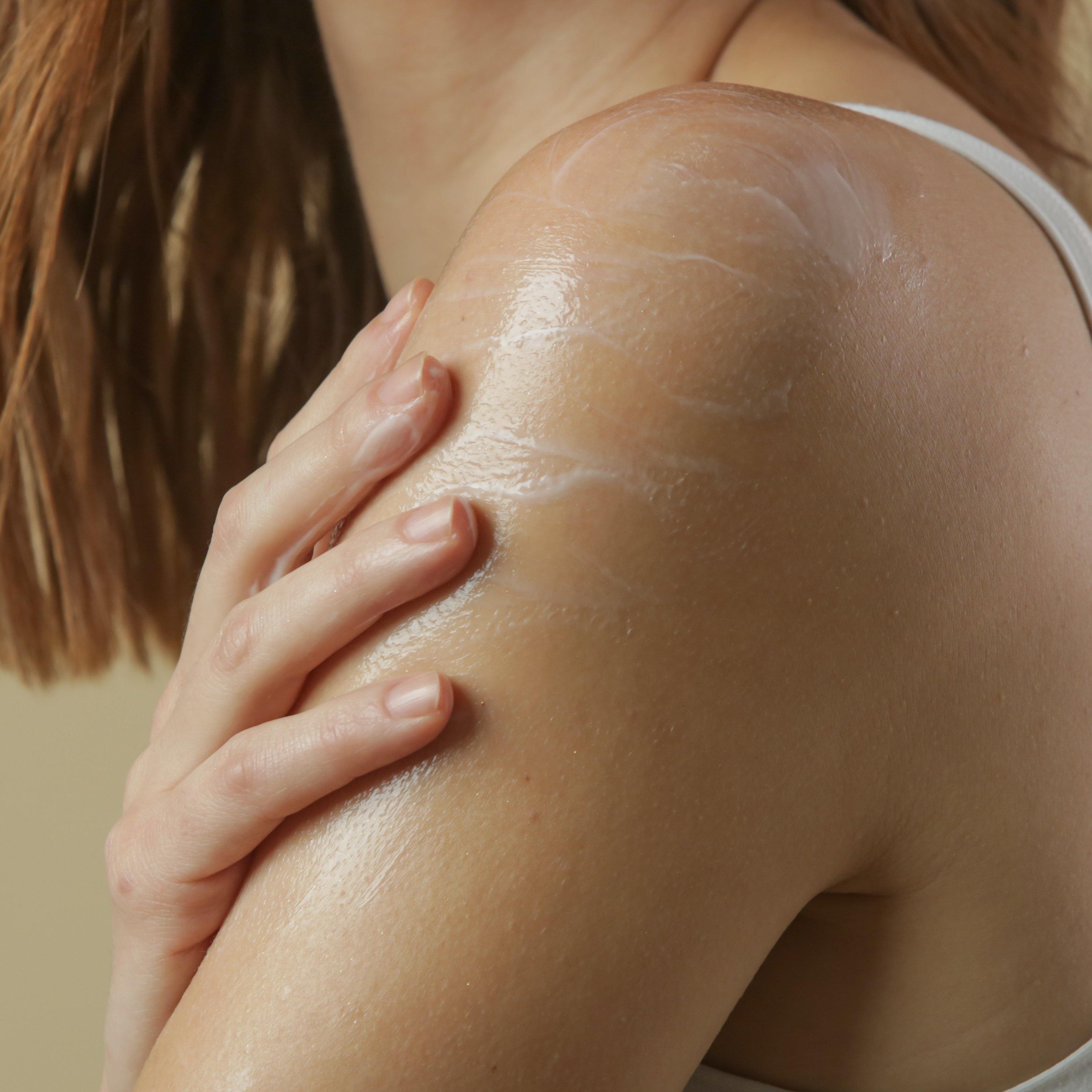 Dermactiva CBD Warming Muscle Cream Image 2