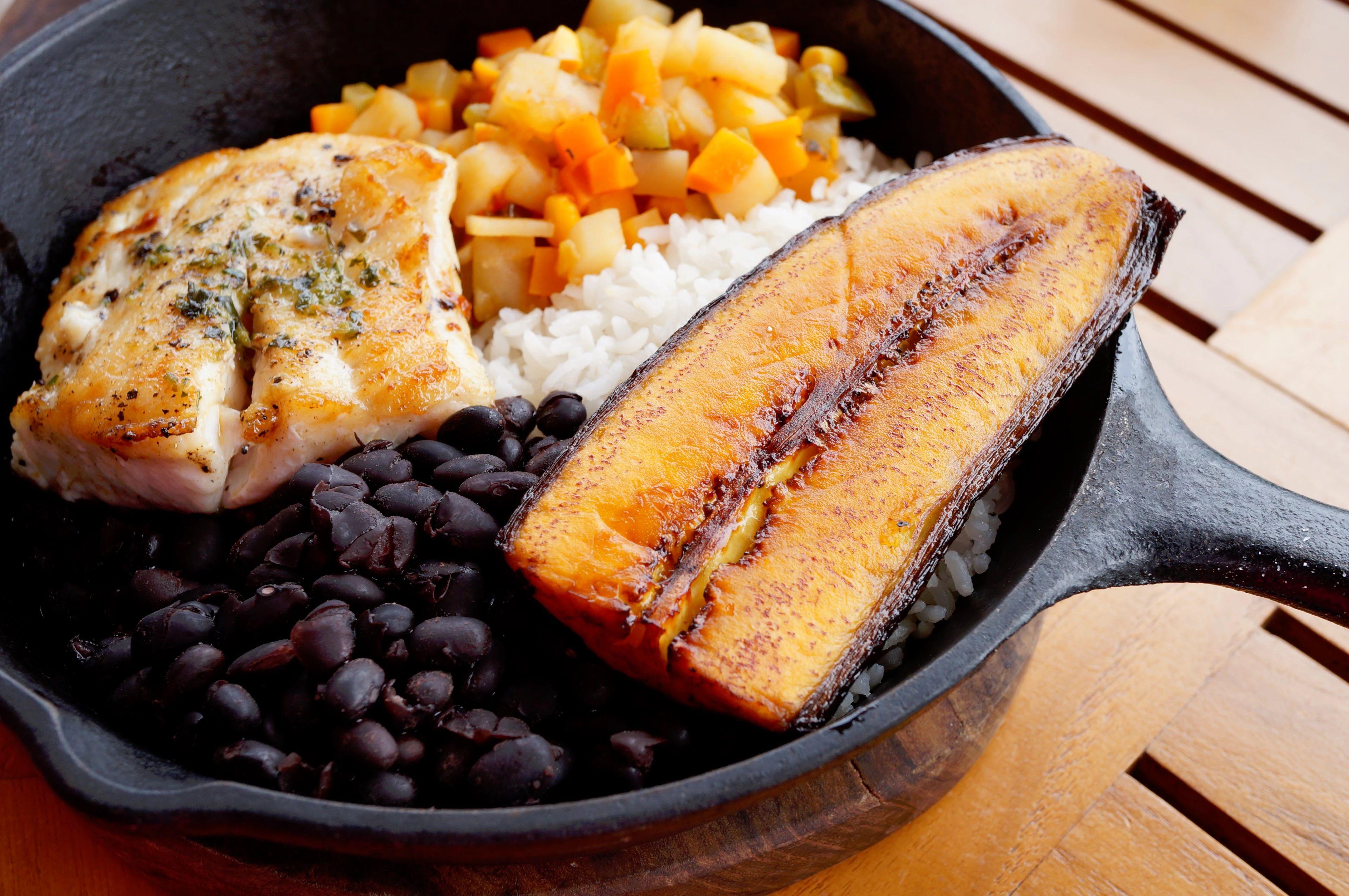 la comida dominicana una oda al multiculturalismo