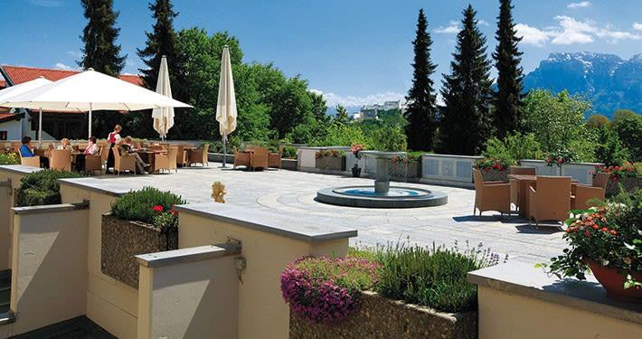Terrasse mit Panoramablick.