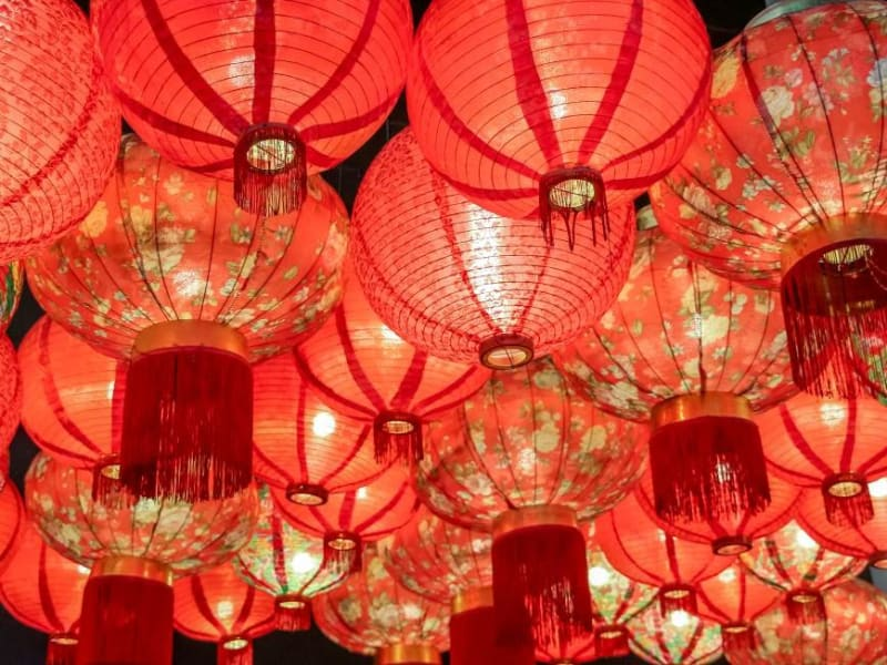 Day 1: Make your own Chinese lantern in the oldest lantern shop in Lugang