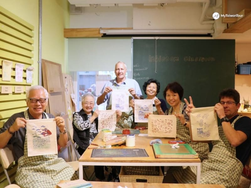 Enjoy a lesson in DIY handicraft making.