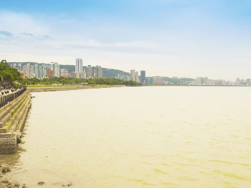 Spectacular views of the Tamsui River