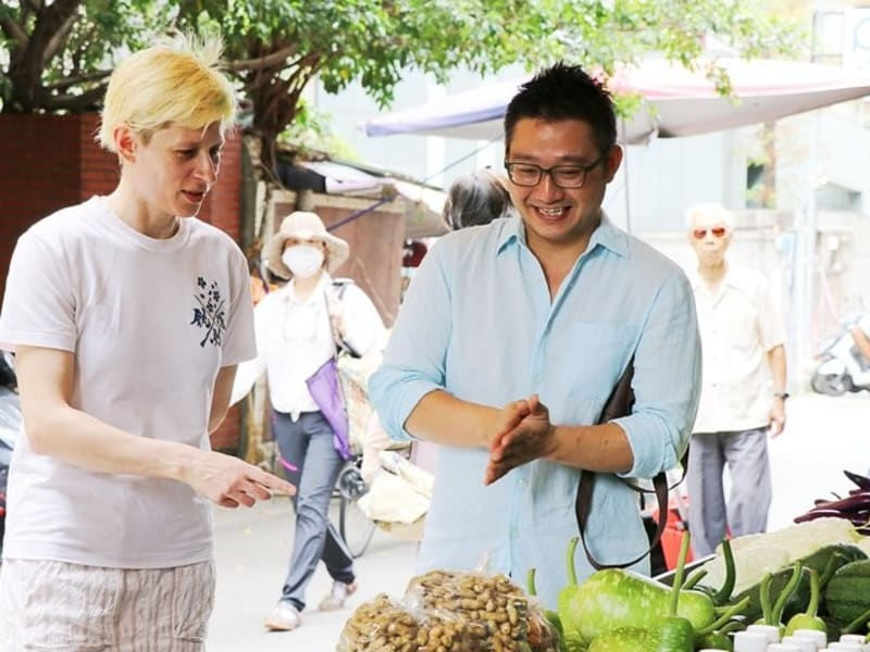 Experience Taiwanese food culture at the traditional Shidong Market
