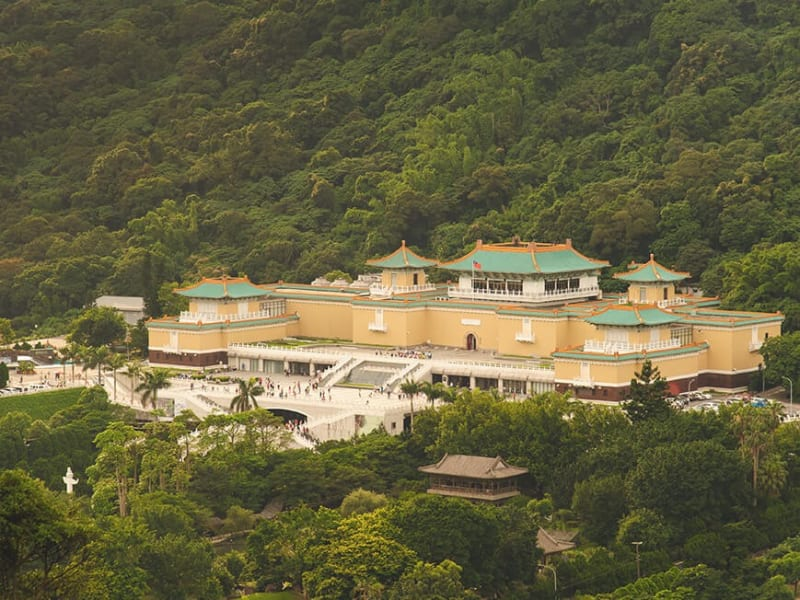 Explore 5,000 years of Chinese culture and history at the National Palace Museum