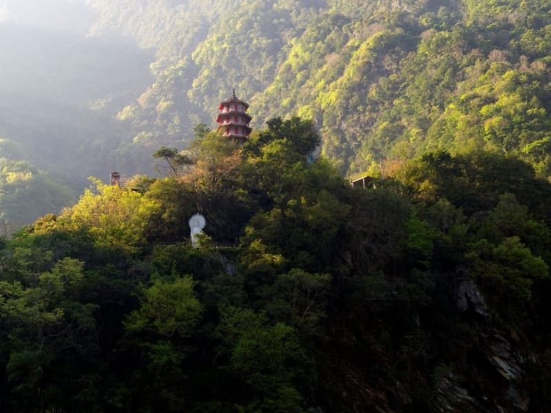 Day 2: Wake up in the heart of Taroko Gorge to the sounds of birds