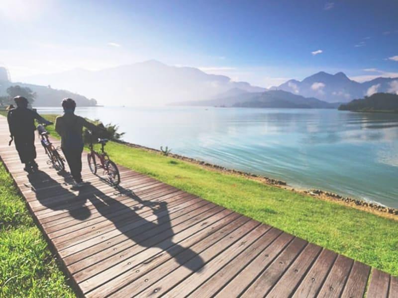 Day 1: Boating or cycling trip at Sun Moon Lake