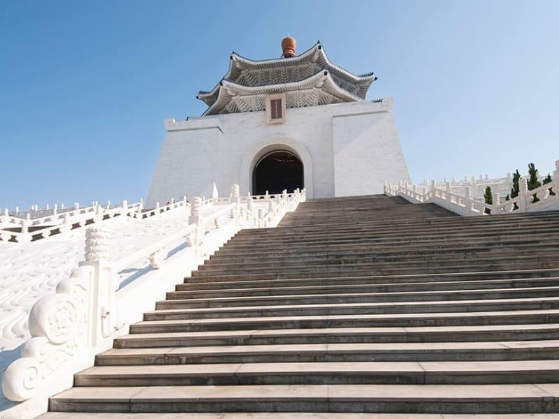 中正紀念堂(チョンチェンチィニィェンタァン)