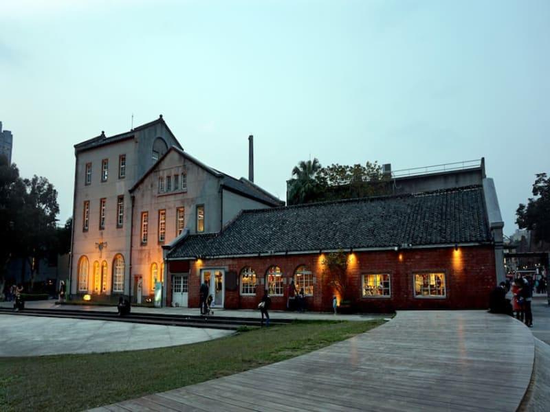 華山文創園区(旧酒造工場を再生)