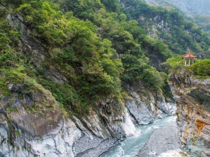 Hike and explore magnificent Taroko Gorge