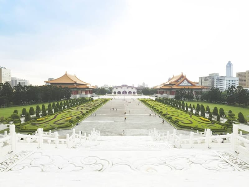 Take in the architecture and history of Democracy Plaza and Chiang Kai-shek Memorial Hall.