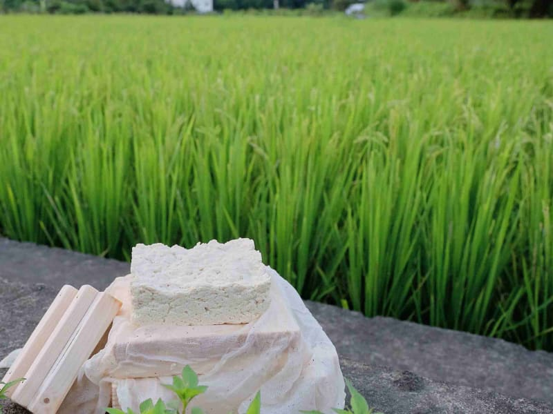 Use your wooden tofu mold to make authentic Daxi tofu