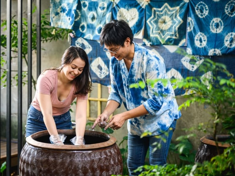 Try your hand at tie dye, using Sanxia's natural, locally grown ingredients