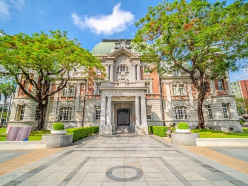 日本統治時代から残る古蹟国立台湾文学館 (旧台南州庁)見学
