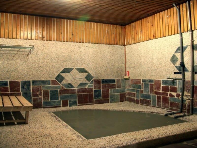 関仔嶺 : 泥温泉で入浴(大浴場は水着の着用が必要)
