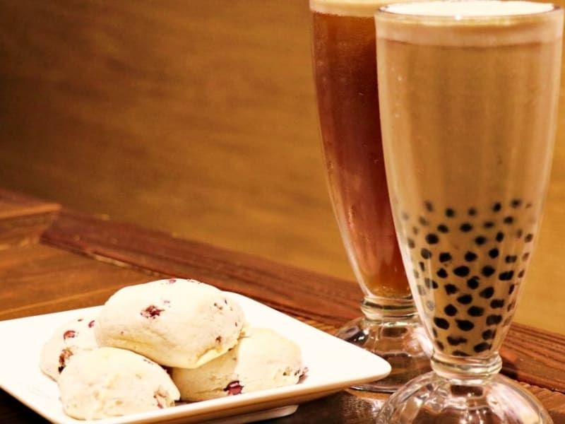 台湾発祥の大粒タピオカミルクティーが味わえます