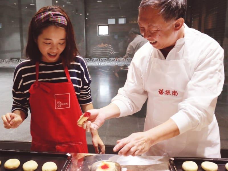 老舗中華菓子店「舊振南」の工場を訪問