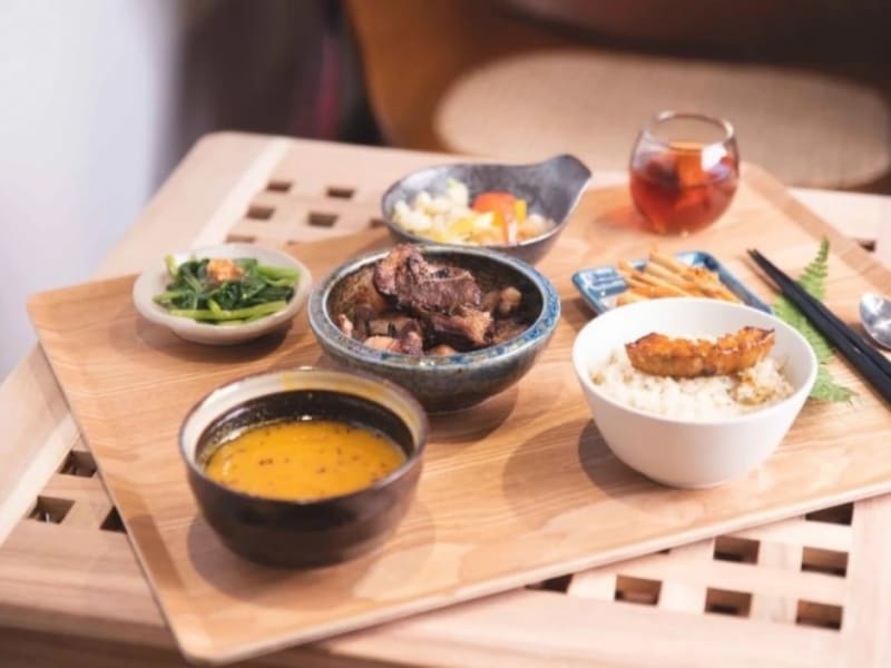 Enjoy a special lunch with tea-inspired dishes
