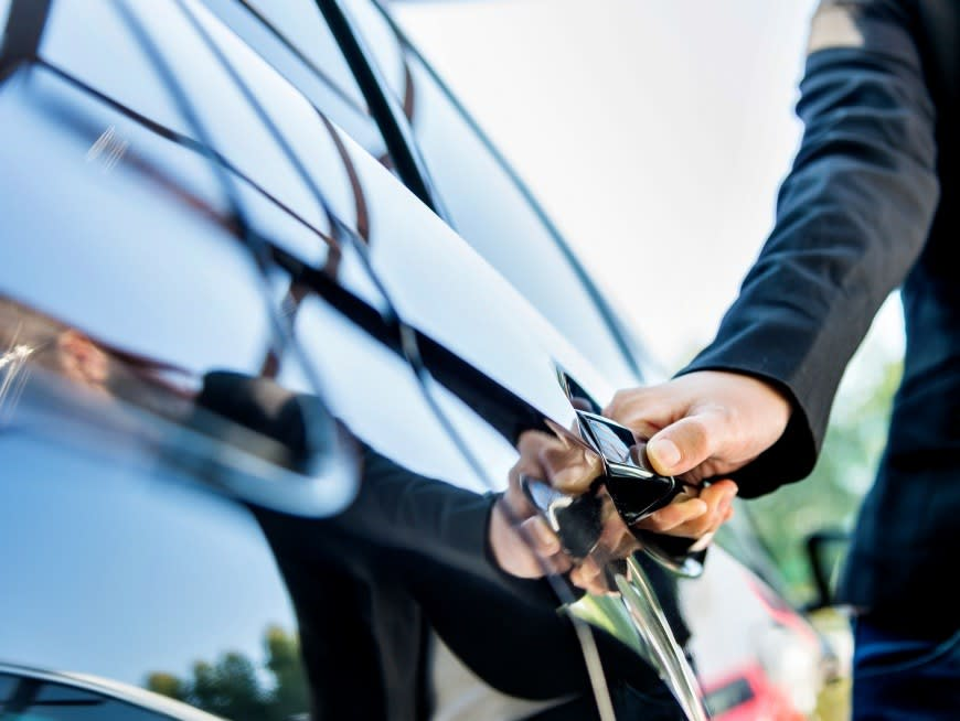 Private Chauffeur Service with Mandarin Speaking Driver