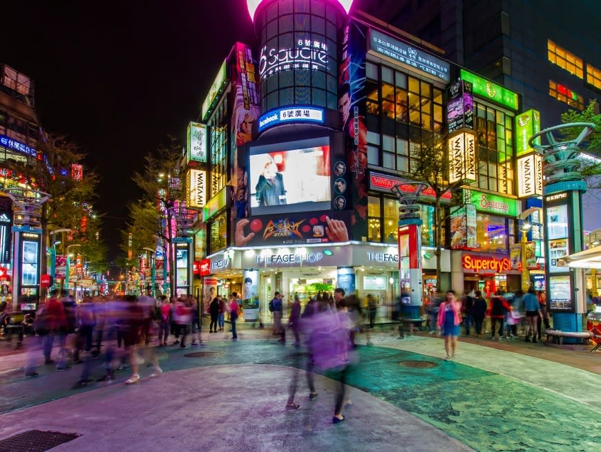 Enjoy Old and New Taiwan in Taipei's Ximending District