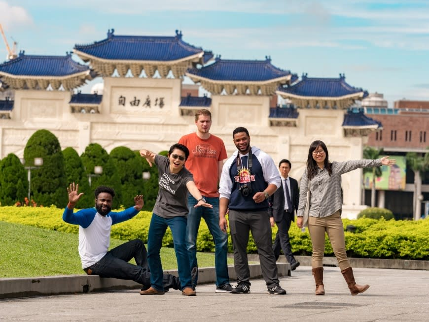 Visit Taipei's best-known must-see spots: Chiang Kai-Shek Memorial Hall