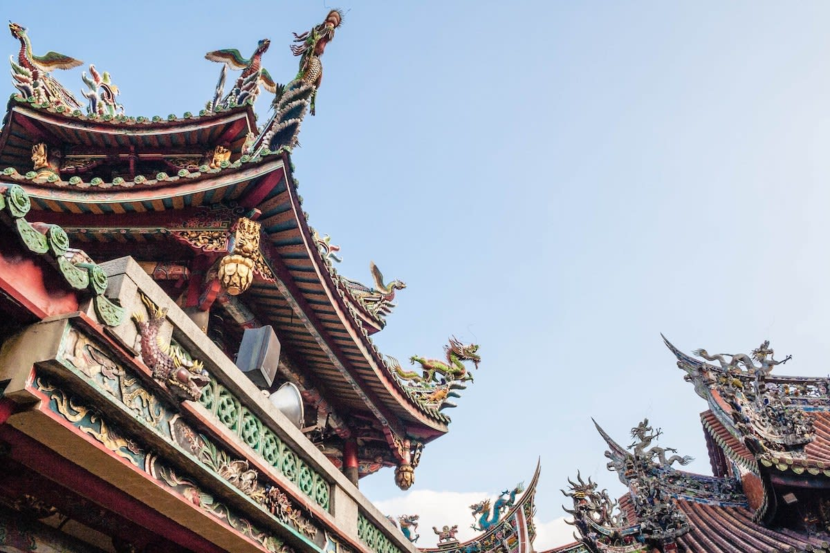 Learn about Taiwan's religious rituals through an interactive tour at Longshan Temple