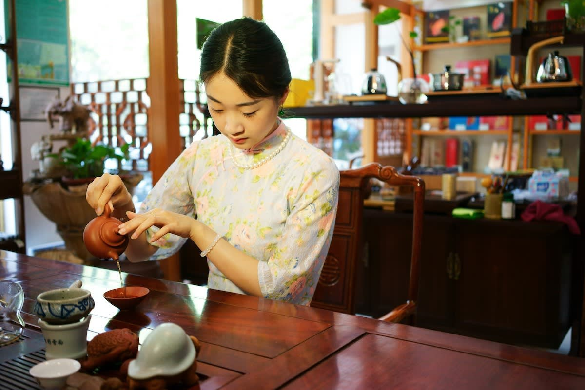 Participate in two traditional Taiwanese tea ceremonies