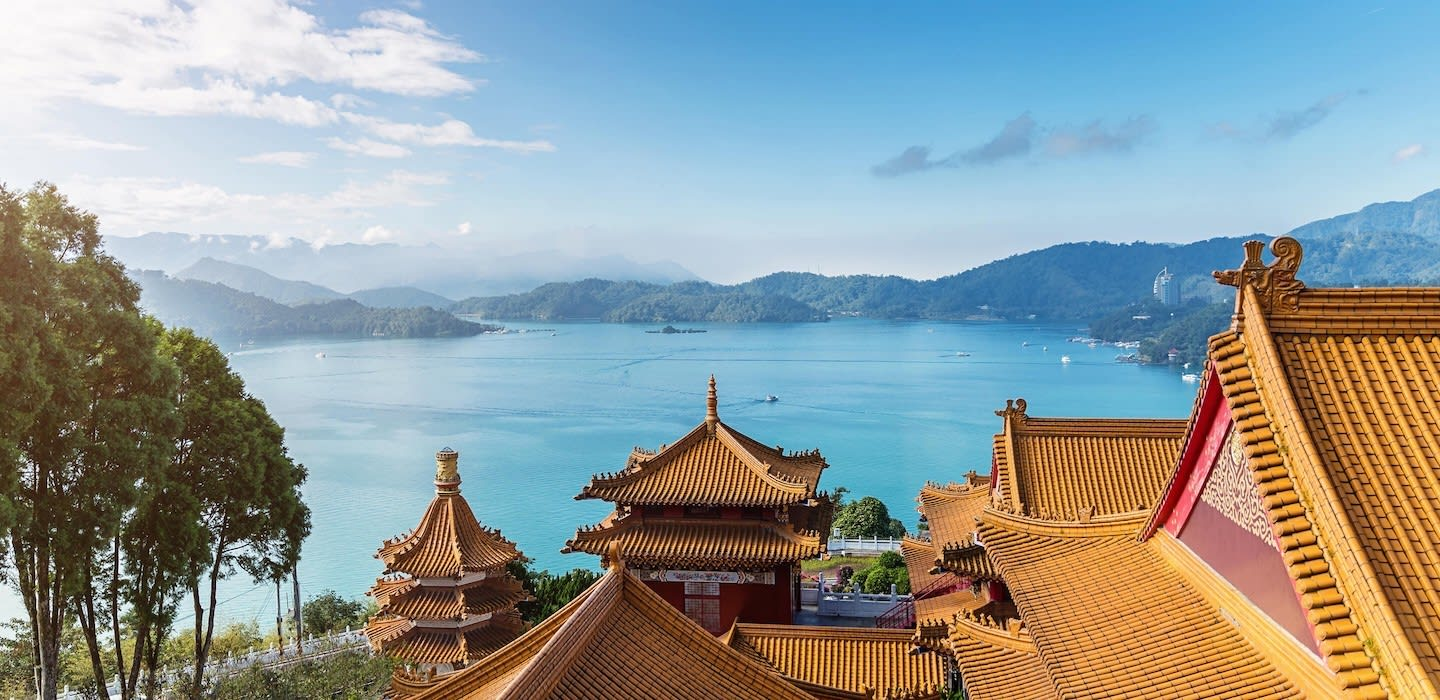 Sun Moon Lake 2 Day Tour (Classic)