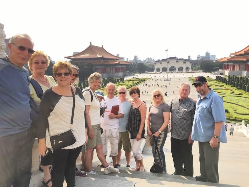 自由広場・中正記念堂を探索