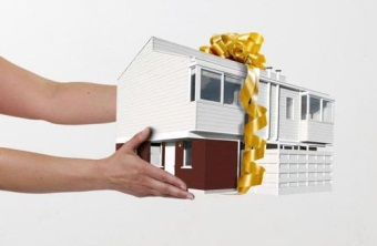 Дарственная на дом и земельный участок — плюсы и минусы