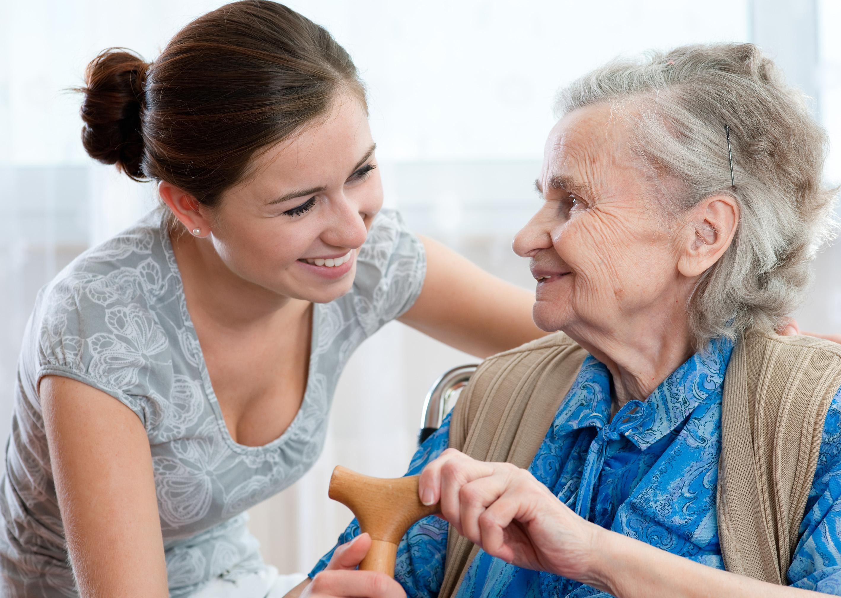 Как досмотреть пожилого человека с правом наследования?