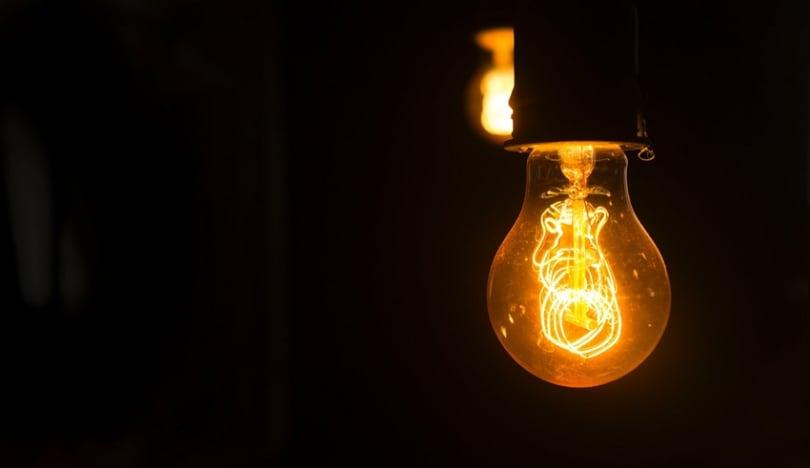 Azərbaycanda elektrik enerjisi üzrə gecə və gündüz tarifləri müəyyən edilib