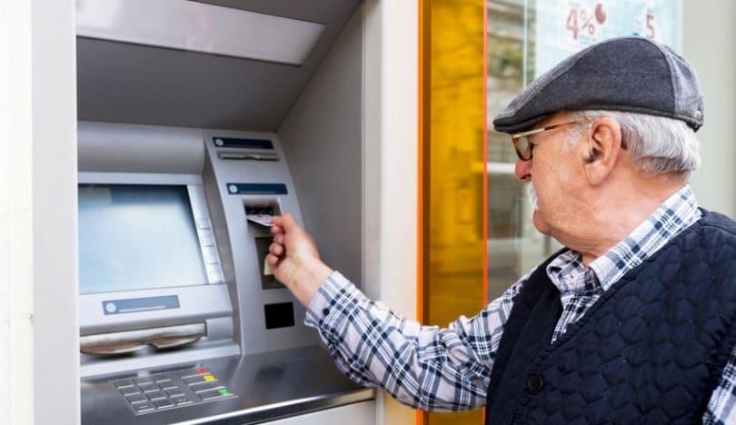 Əmək pensiyaları ilə bağlı qanuna dəyişikliklər qəbul edilib