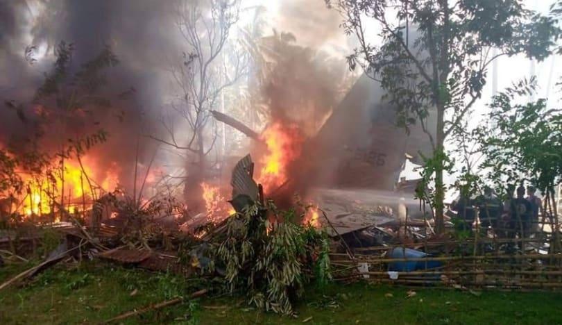 Filippinin göyərtəsində 85 nəfərin olduğu hərbi təyyarəsi qəzaya uğradı