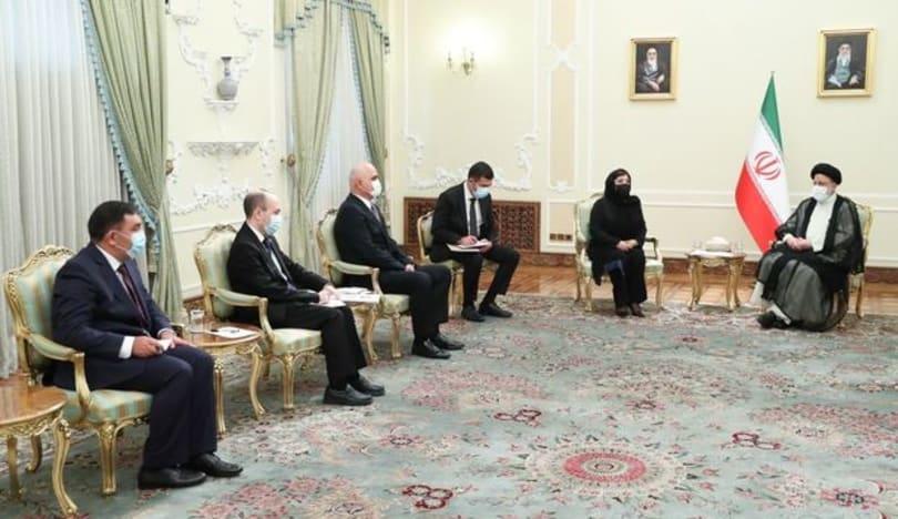 Sahibə Qafarova İran prezidenti ilə görüşdü