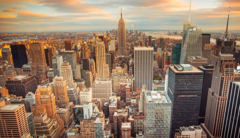 Nyu-Yorkun qubernatorunun ən yaxın köməkçisi qalmaqal fonunda istefa verib