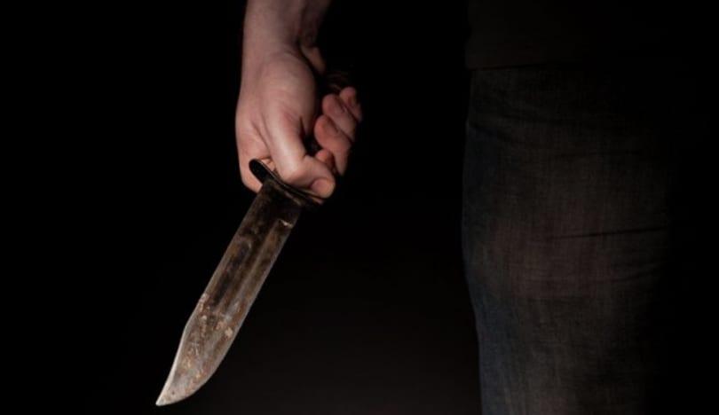 Bakıda dava: İki nəfər boğazından bıçaqlandı