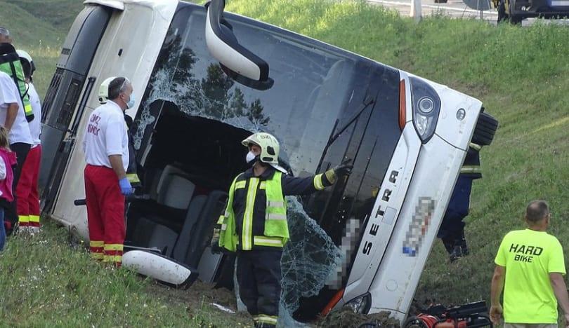 Budapeştdə yol qəzasında 8 nəfər ölüb, daha 48 nəfər yaralanıb