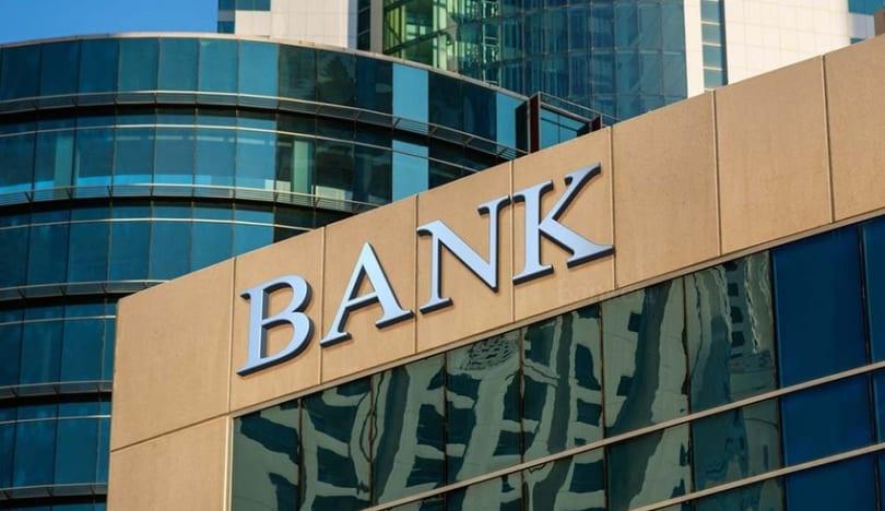 Azərbaycanın bank sektorunun xalis mənfəəti 5 % azalıb