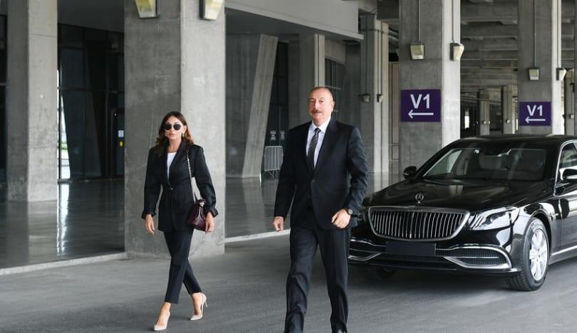 """Prezident İlham Əliyev və Mehriban Əliyeva """"Gənclik"""" parkının açılışında iştirak ediblər"""