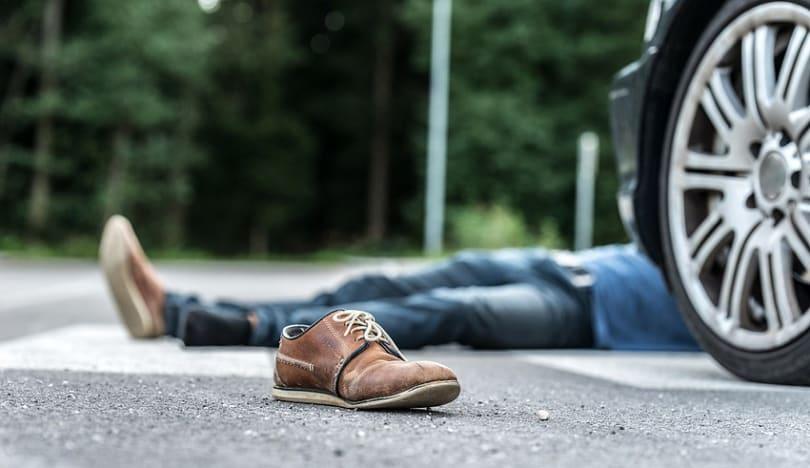 Bakıda 21 yaşlı gənci avtomobil vurub