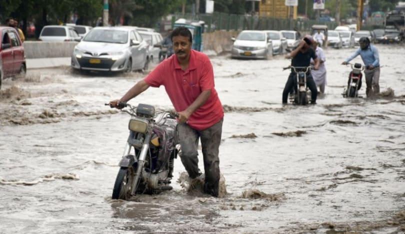 Pakistanda leysan yağışlar 4 nəfərin həyatına son qoyub
