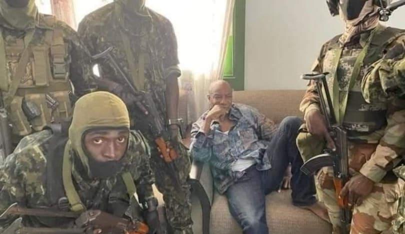 Qvineya prezidenti qiyamçılar tərəfindən saxlanılıb