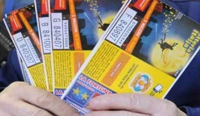İtaliyada yaşlı qadının 500 milyon avroluq lotereya bileti oğurlandı