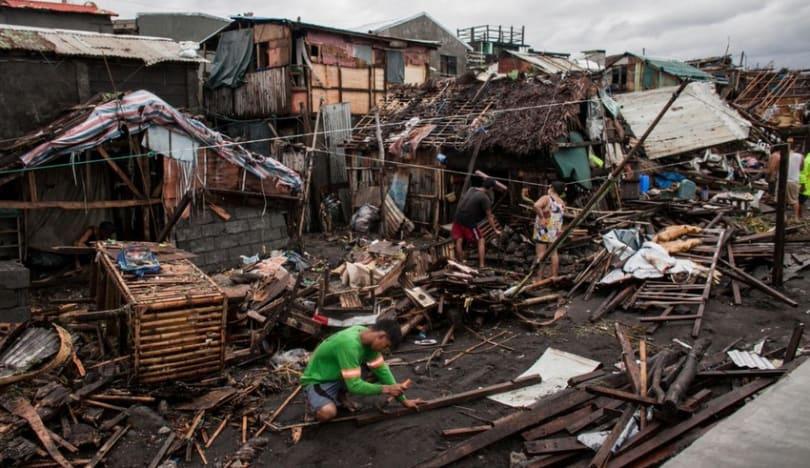 Filippində qasırğa zamanı bir neçə nəfər ölüb, onlarla insan itkin düşüb